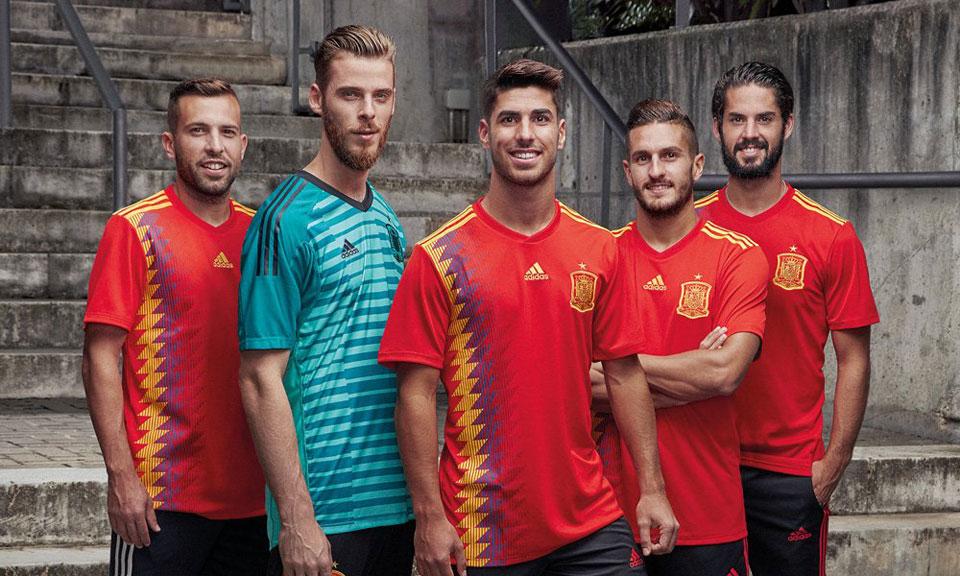 Spanien Worldcup Kit 1819